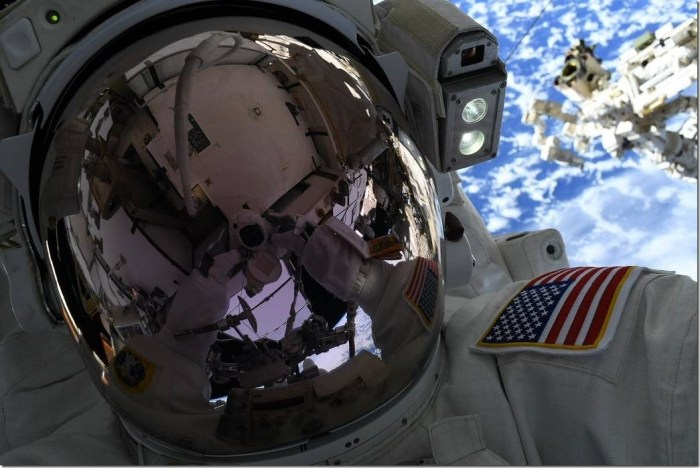 La nouvelle application Spelfie, pour prendre un selfie depuis l'espace