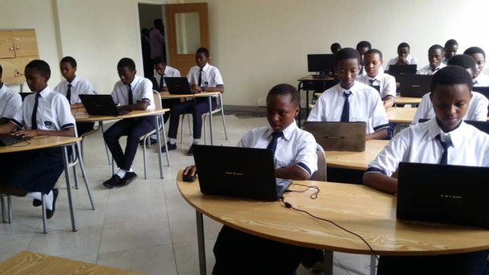 Cameroun : 70 enfants bénéficient d'un programme de formation au codage