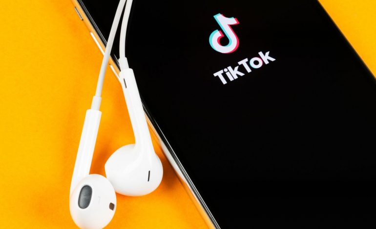 TikTok dépasse pour la première fois YouTube